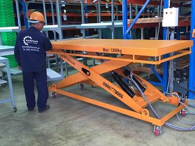 Bàn nâng thuỷ lực 1200 kg lắp tại  Long Thành,,