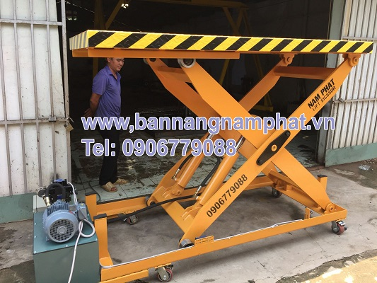 Bàn nâng thuỷ lực 1200 kg lắp tại KCN  Tân Thới Hiệp, Q12