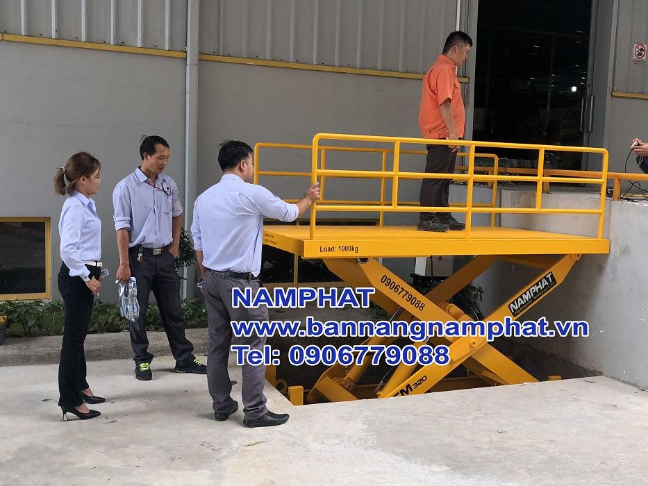 Bàn nâng thủy lực 1000kg, KCN VietNam Singgabo